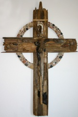 5' Driftwood and Stones Cross